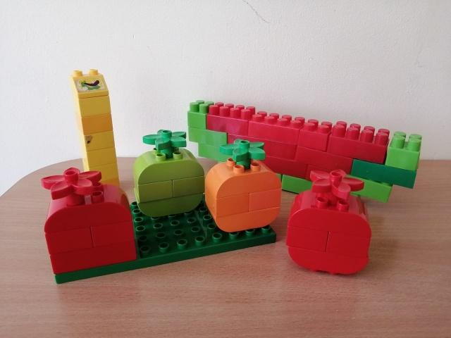 Овощи  и фрукты  из  лего